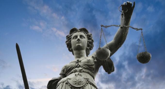 Евгений Байдаков для газеты «эж-ЮРИСТ». Юридический бизнес – в «облаках»